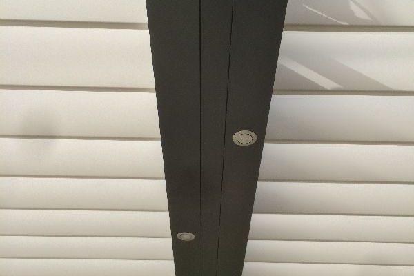 Rampe éclairage moderne pour pergola Montpellier